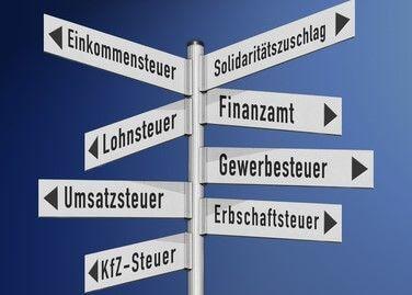 الضرائب في ألمانيا 2021 – هكذا يمكنك حساب الراتب الصافي بكل سهولة!